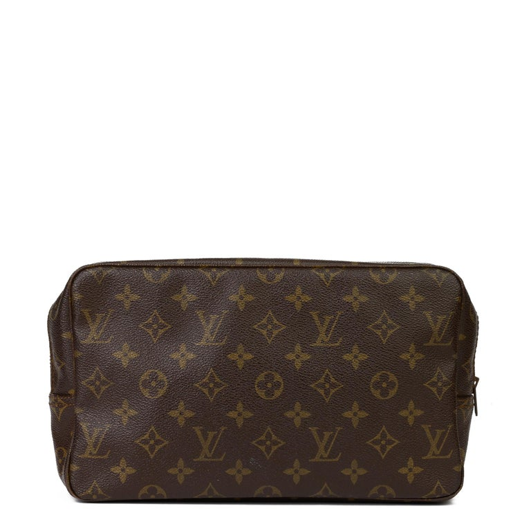 1983 Louis Vuitton Hand-painted 'Get This Money' X Year Zero London Pouch For Sale 1