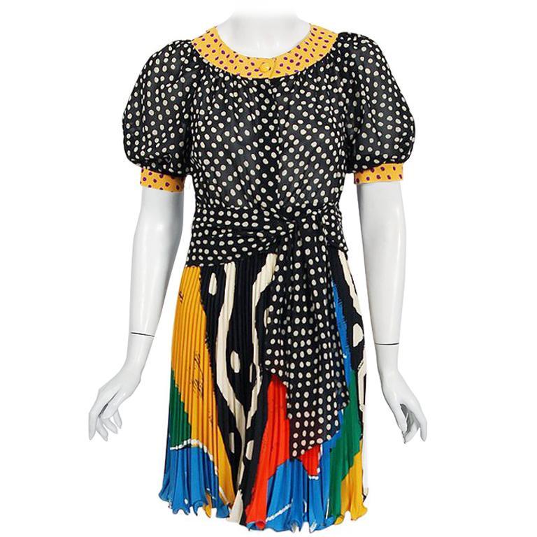 abe3e070df Timeless Vixen Clothing - 1stdibs