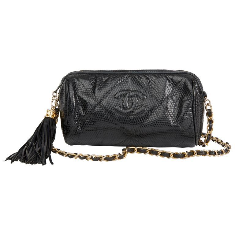 1987 Chanel Black Quilted Lizard Leather Vintage Timeless Fringe Shoulder Pochet For Sale