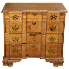 1987 Lane Furniture Chippendale Pine Goddard Block Front Bachelors Chest Dresser