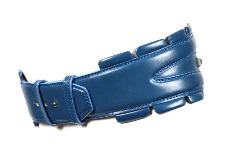 1988 AZZEDINE ALAIA blue-green leather runway belt with gunmetal pyramid studs In Good Condition For Sale In San Fransisco, CA