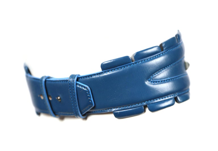 Women's or Men's 1988 AZZEDINE ALAIA blue-green leather runway belt with gunmetal pyramid studs For Sale