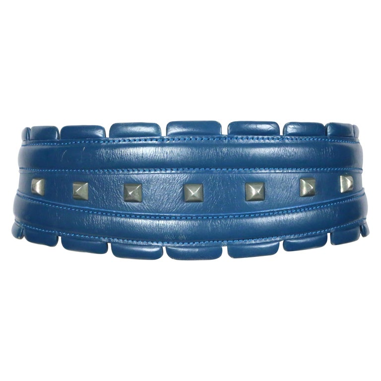 1988 AZZEDINE ALAIA blue-green leather runway belt with gunmetal pyramid studs For Sale