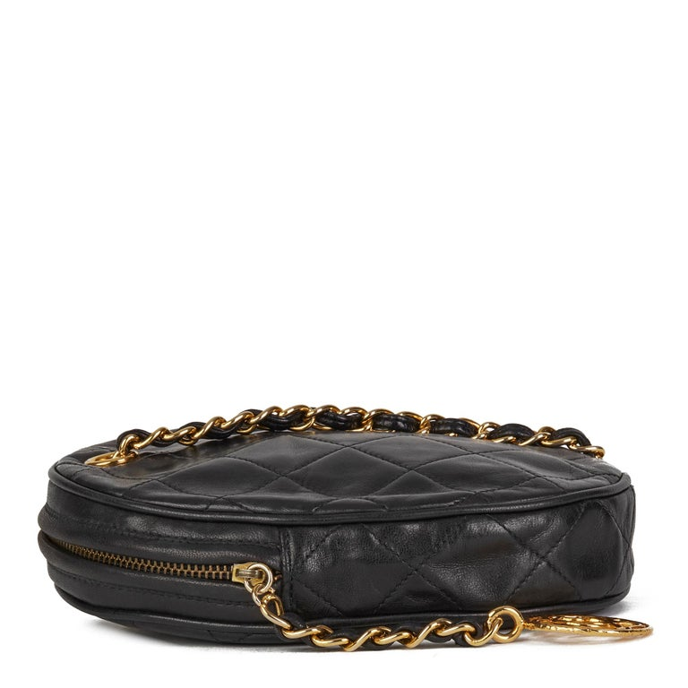 1988 Chanel Black Quilted Lambskin Vintage Timeless Charm Wristlet  In Good Condition For Sale In Bishop's Stortford, Hertfordshire