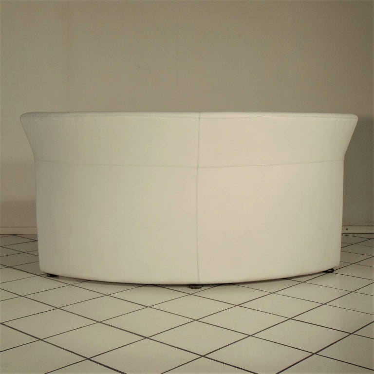 Dyed 1988 Two-Seat White Leather Memphis Style by Walter Leeman, Sormani, Italy For Sale