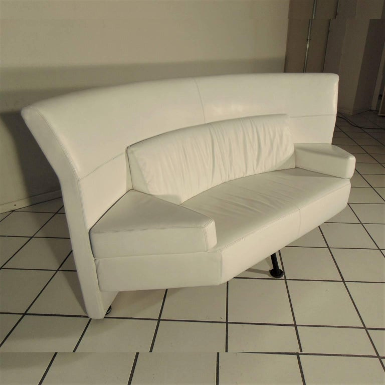 1988 Two-Seat White Leather Memphis Style by Walter Leeman, Sormani, Italy In Good Condition For Sale In Arosio, IT