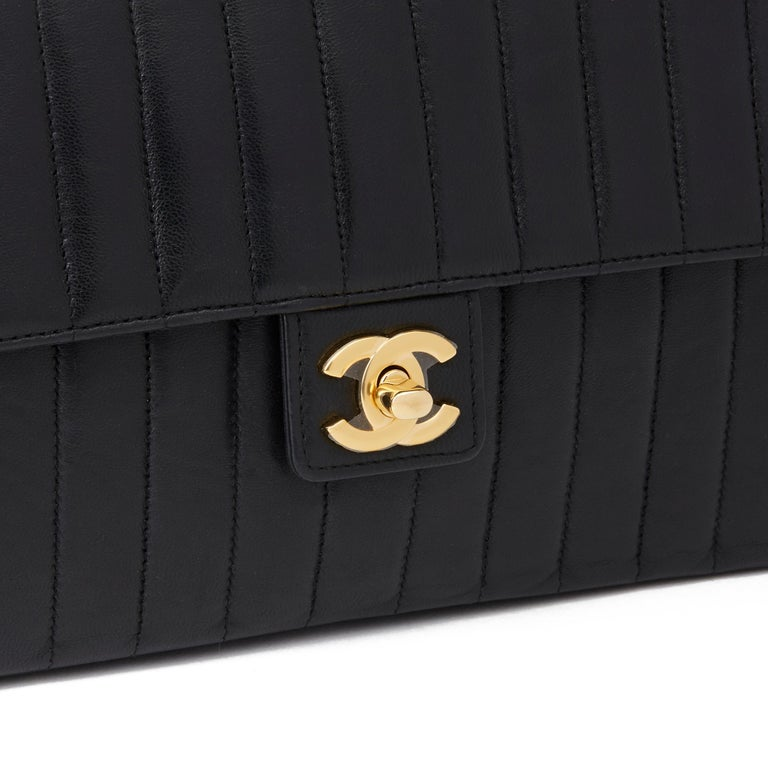 1989 Chanel Black Vertical Quilted Lambskin Vintage Classic Single Flap Bag  For Sale 2