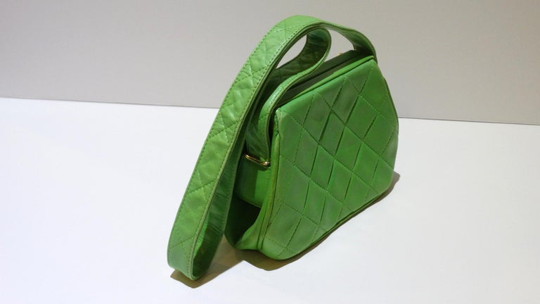 1989 Chanel Kelly Green Quilted Handbag  For Sale 6