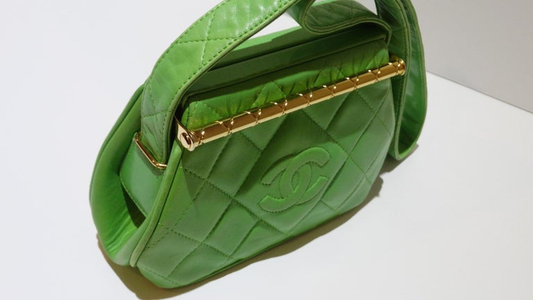 1989 Chanel Kelly Green Quilted Handbag  For Sale 8