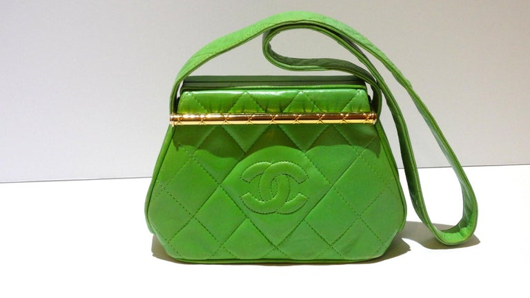 1989 Chanel Kelly Green Quilted Handbag  For Sale 1