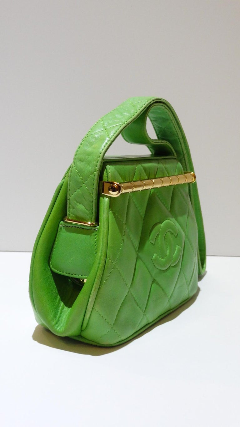1989 Chanel Kelly Green Quilted Handbag  For Sale 3