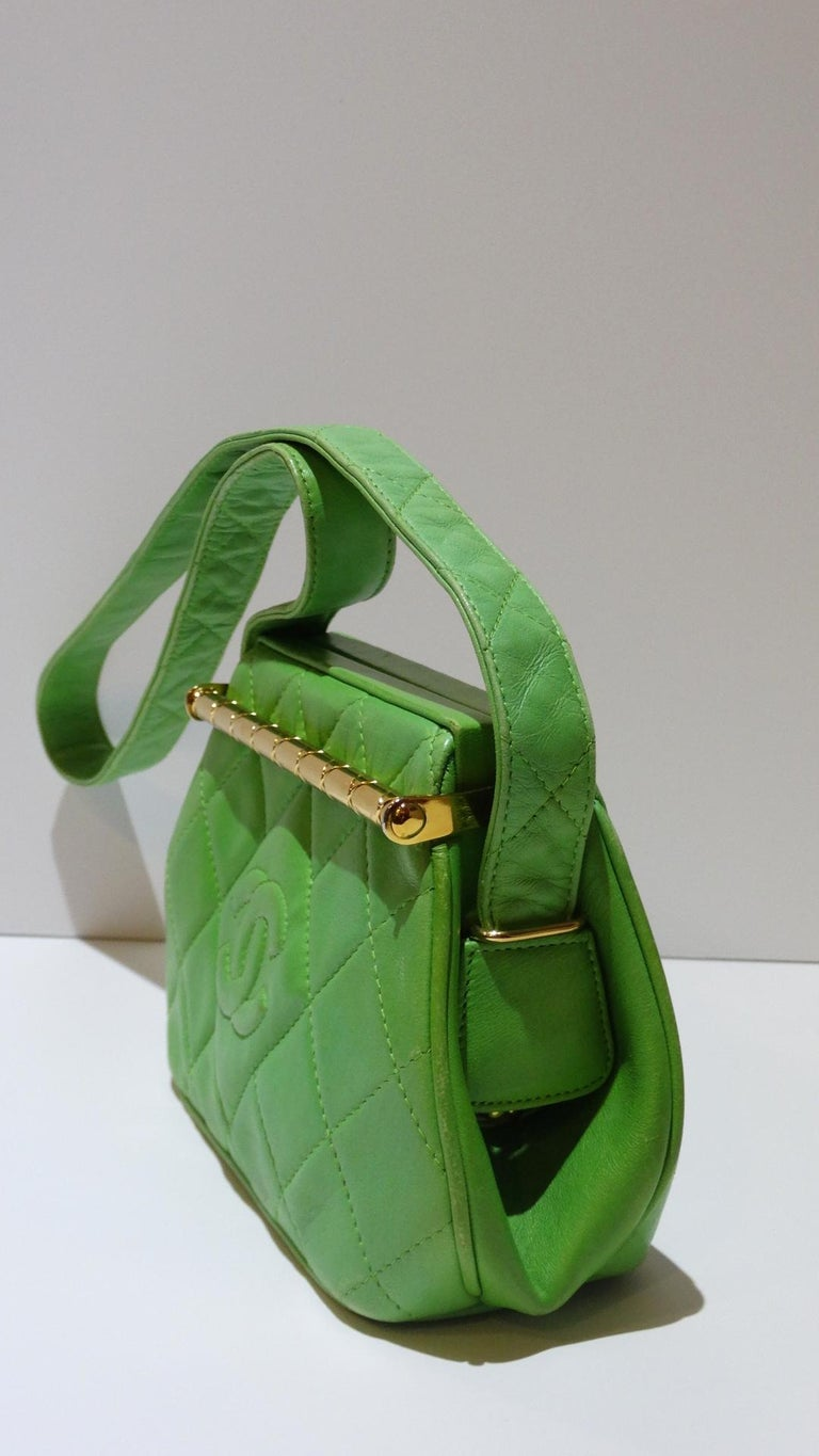 1989 Chanel Kelly Green Quilted Handbag  For Sale 4