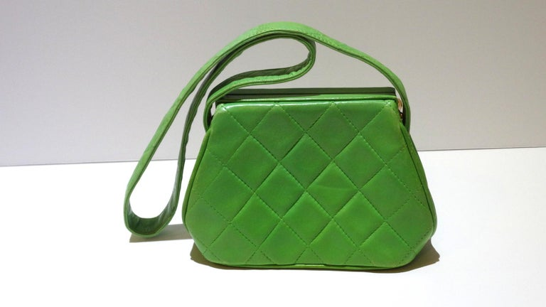 1989 Chanel Kelly Green Quilted Handbag  For Sale 5