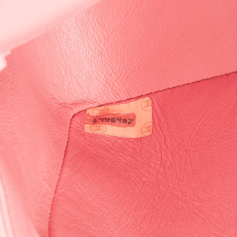 1989 Chanel Pink Quilted Lambskin Vintage Small Diana Classic Single Flap Bag For Sale 4