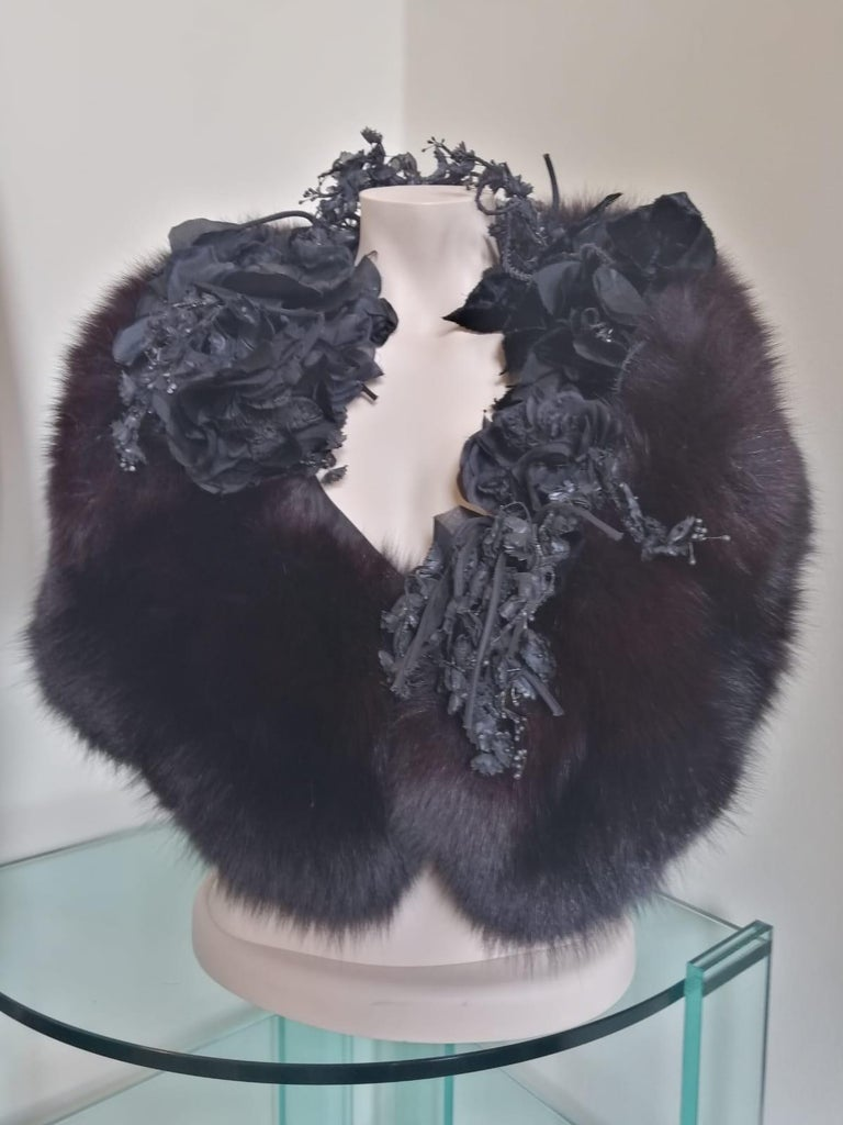 Stunning, historic and unfindable piece by Christian Dior, designed by Gianfranco Ferré Haute Couture piece, 1989 Paris fall winter runway  Belonging to Gianfranco Ferré very first collection with Dior Real fox fur Black color Stunning textile
