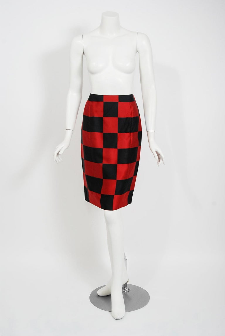 1989 Marc Jacobs for Perry Ellis Black & Red Checkered Silk Skirt w/ Shawl Wrap In Good Condition For Sale In Beverly Hills, CA