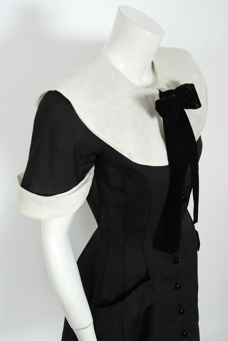 1989 Valentino Couture Black & White Wide Collar Cuff Silk-Faille Babydoll Dress In Good Condition For Sale In Beverly Hills, CA