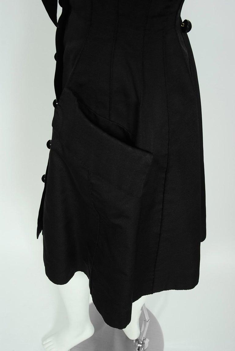 Women's 1989 Valentino Couture Black & White Wide Collar Cuff Silk-Faille Babydoll Dress For Sale