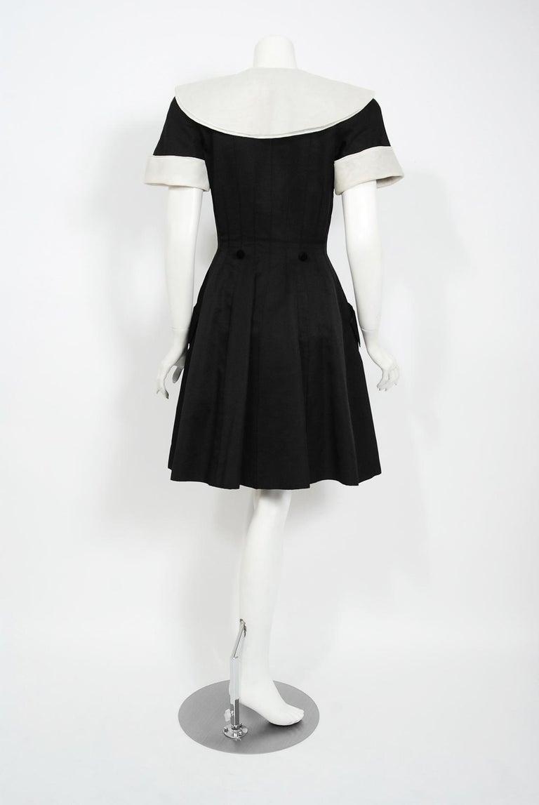 1989 Valentino Couture Black & White Wide Collar Cuff Silk-Faille Babydoll Dress For Sale 1