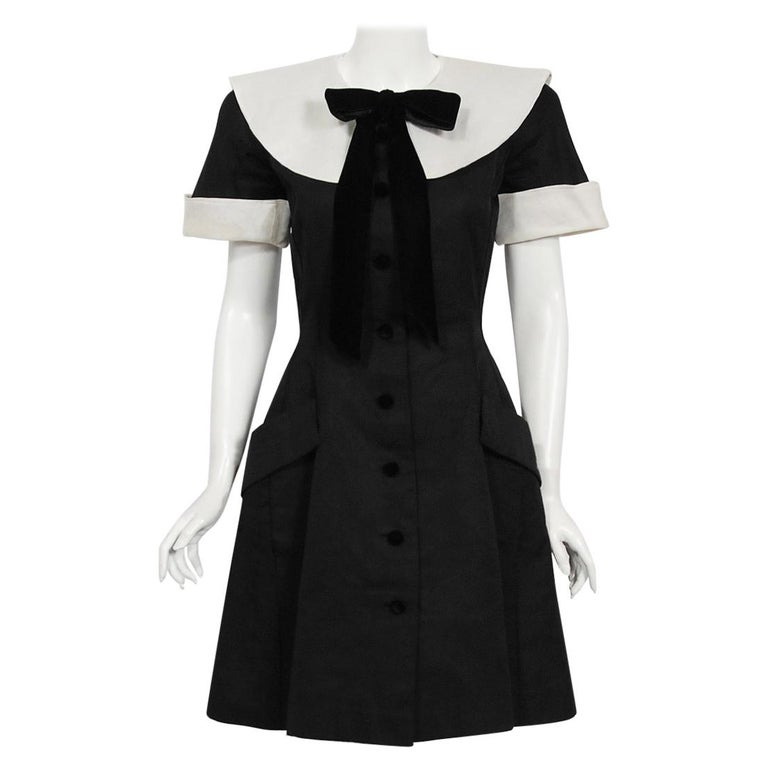 1989 Valentino Couture Black & White Wide Collar Cuff Silk-Faille Babydoll Dress For Sale