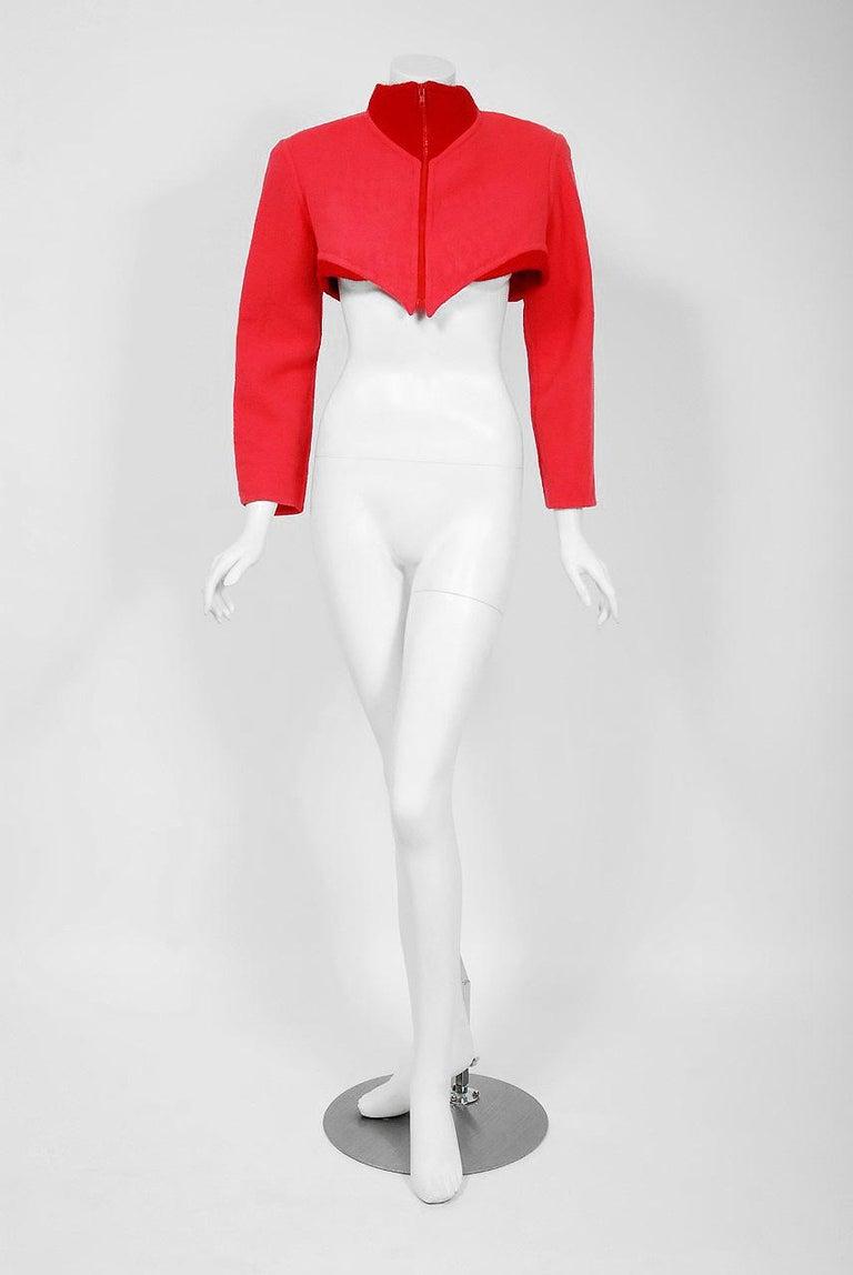 Women's 1990 Geoffrey Beene Red & Pink Wool Cropped Zip-Up Street Sportswear Jacket For Sale