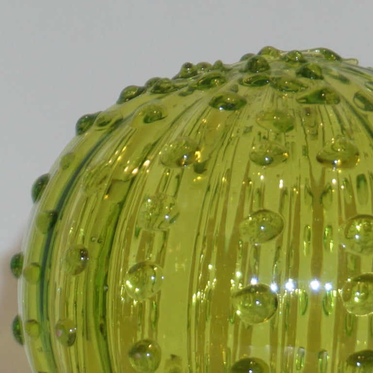 1990 Vintage Italian Emerald Green Murano Glass Small Cactus Plant in Purple Pot In Excellent Condition For Sale In New York, NY