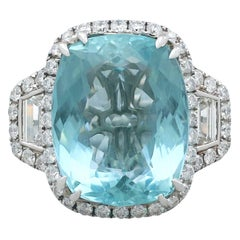 1990s 15.01 Carat Aquamarine and 3.28 Carat Diamond Gold Cocktail Ring