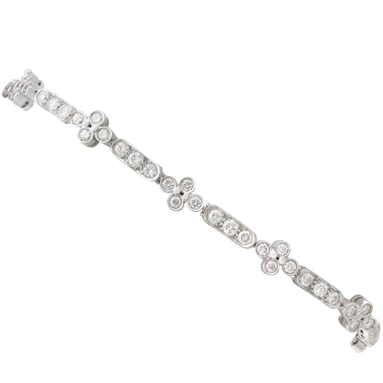 1990s 3.30 Carat Diamond and White Gold Bracelet