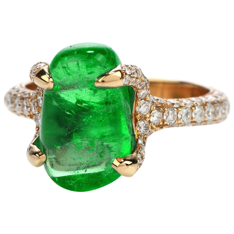 1990s 6.92 Carat Colombian Emerald Diamond 18 Karat Gold Cocktail Ring