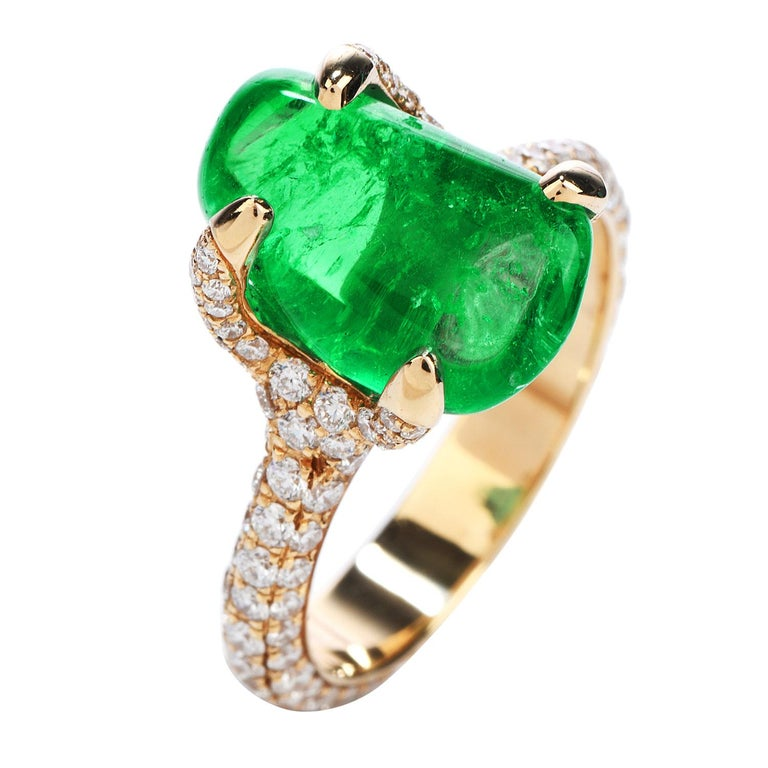 1990s 6.92 Carat Colombian Emerald Diamond 18 Karat Gold Cocktail Ring In Excellent Condition In Miami, FL