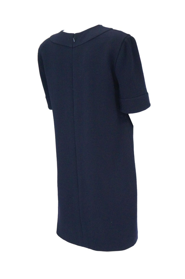1990s Bill Blass Navy Blue Shift Dress with Curved Neckline Detail For Sale 2