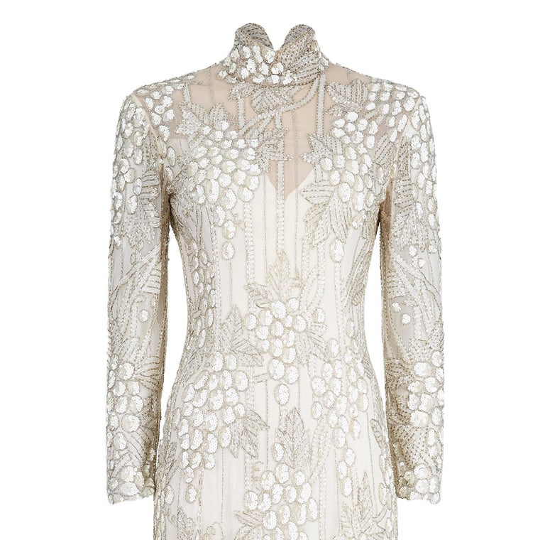 1990s Bob Mackie Ivory Beaded Couture Bridal Gown With Bunch of Grapes Design In Excellent Condition For Sale In London, GB