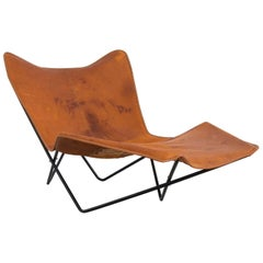 """1990s """"Butterfly"""" Chaise Longue in Iron and Leather, Argentina"""