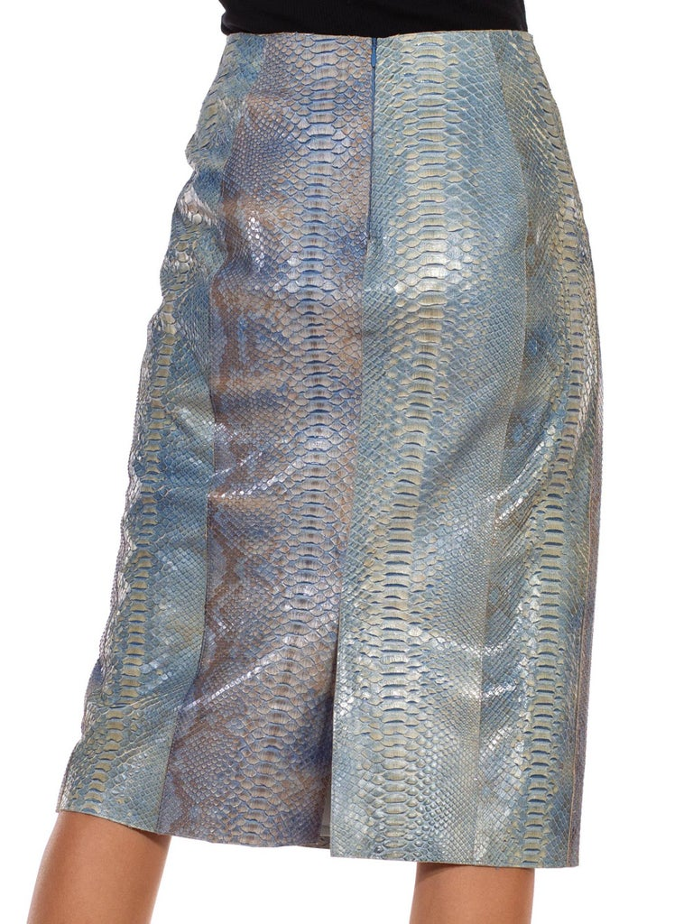 1990S CALVIN KLEIN Light Blue Snake Skin Hand Dyed Pencil Skirt In Excellent Condition For Sale In New York, NY
