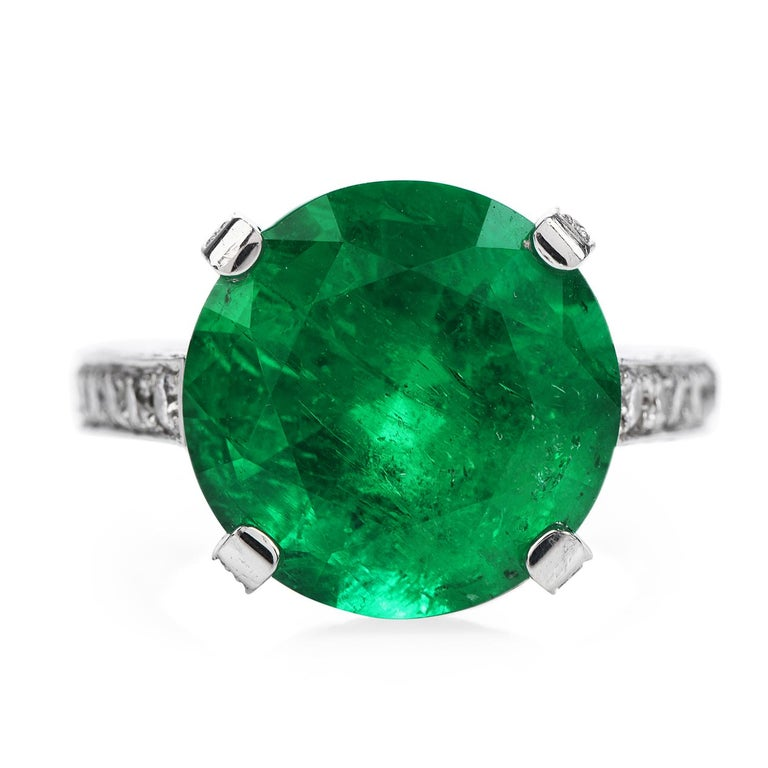 Art Deco 1990s Certified 8.13 Carat Colombian Emerald Diamond Platinum Cocktail Ring For Sale