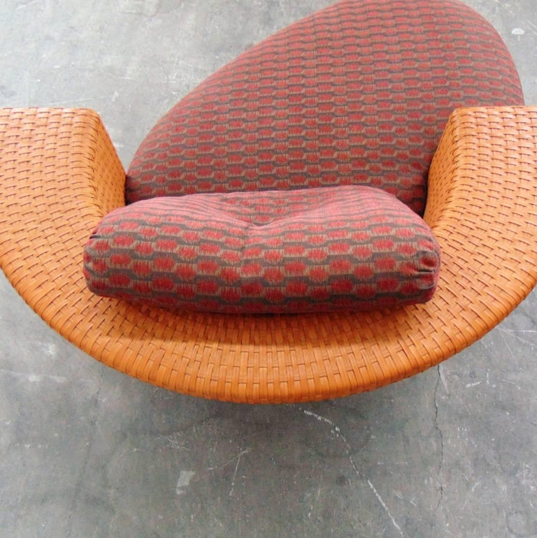 Woven Leather Daybed with Dark Red Cushion by Bonacina, Italy, 1990s For Sale 3