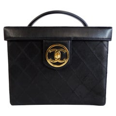 Chanel 1990s Black Quilted Lambskin Globe Trotter Box Bag