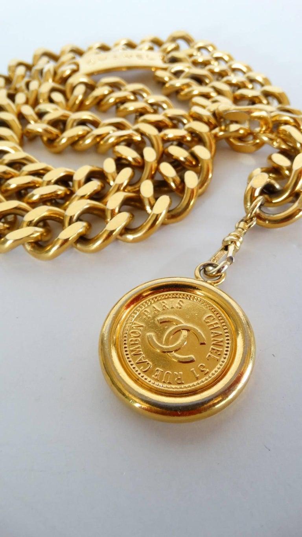 Chanel Chain Link Medallion Belt, 1990s   For Sale 3