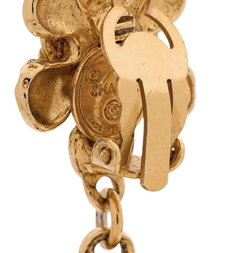 Women's 1990s Chanel Gold Tone Flower Clips Earrings For Sale