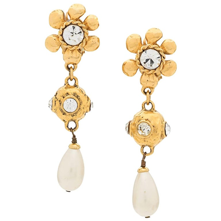 1990s Chanel Gold Tone Flower Clips Earrings For Sale