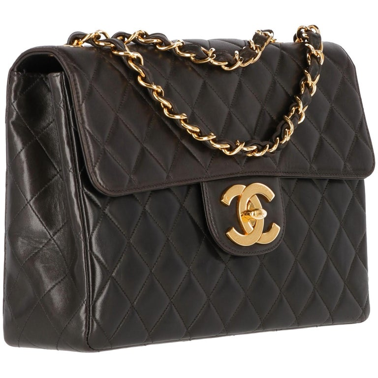 Chanel Jumbo brown bag with diamond matelassé lamb leather and gold tone chain.  Made in France   Cod. 5260352  Anni: 1997/1999  Width: 30 cm Height: 20 cm Depth: 8 cm