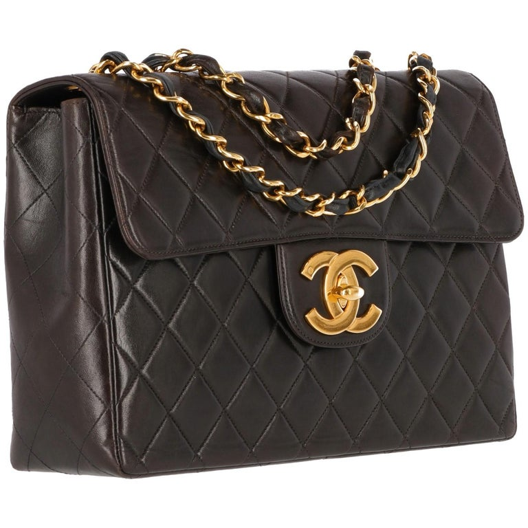Chanel Jumbo brown bag with diamond matelassé lamb leather and gold tone chain. With authenticity card. Made in France  Cod. 4573596  Years: 1996/1997  Width: 30 cm Height: 20 cm Depth: 8 cm
