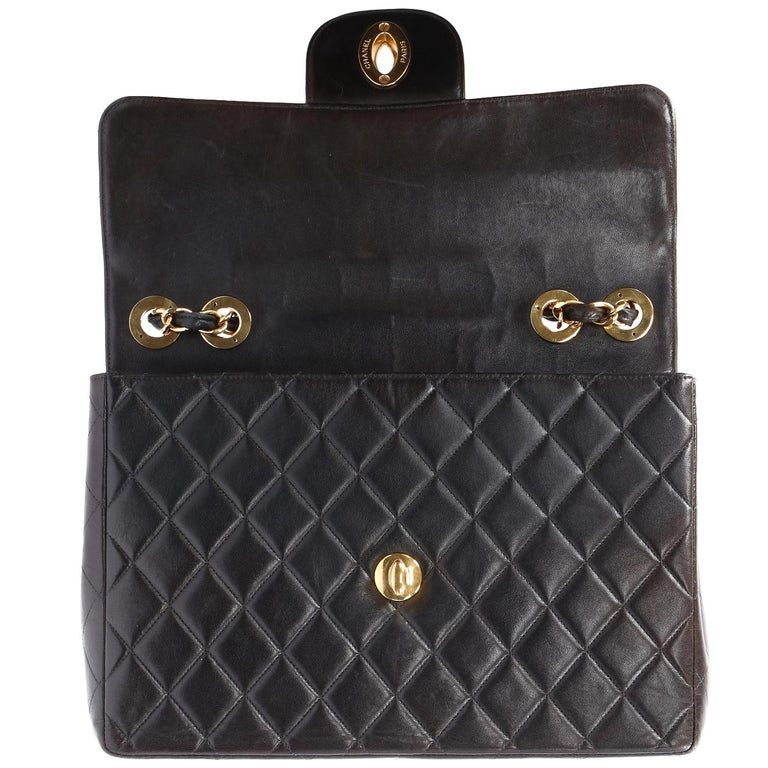 1990s Chanel Jumbo Vintage Bag For Sale 3