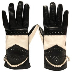 1990s CHRISTIAN DIOR BLACK WHITE LEATHER GLOVES WITH PEARLS