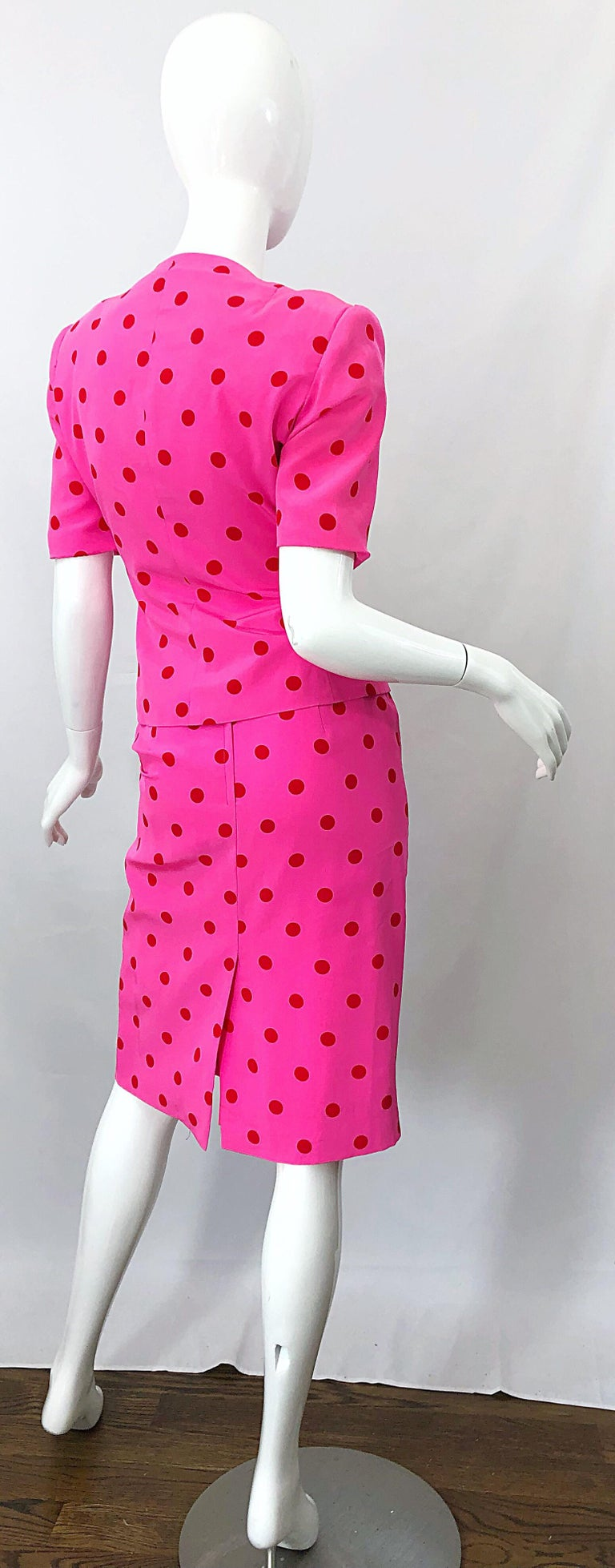 1990s David Hayes for Saks 5th Avenue Hot Pink Red Polka Dot Vintage Skirt Suit In Excellent Condition For Sale In Chicago, IL