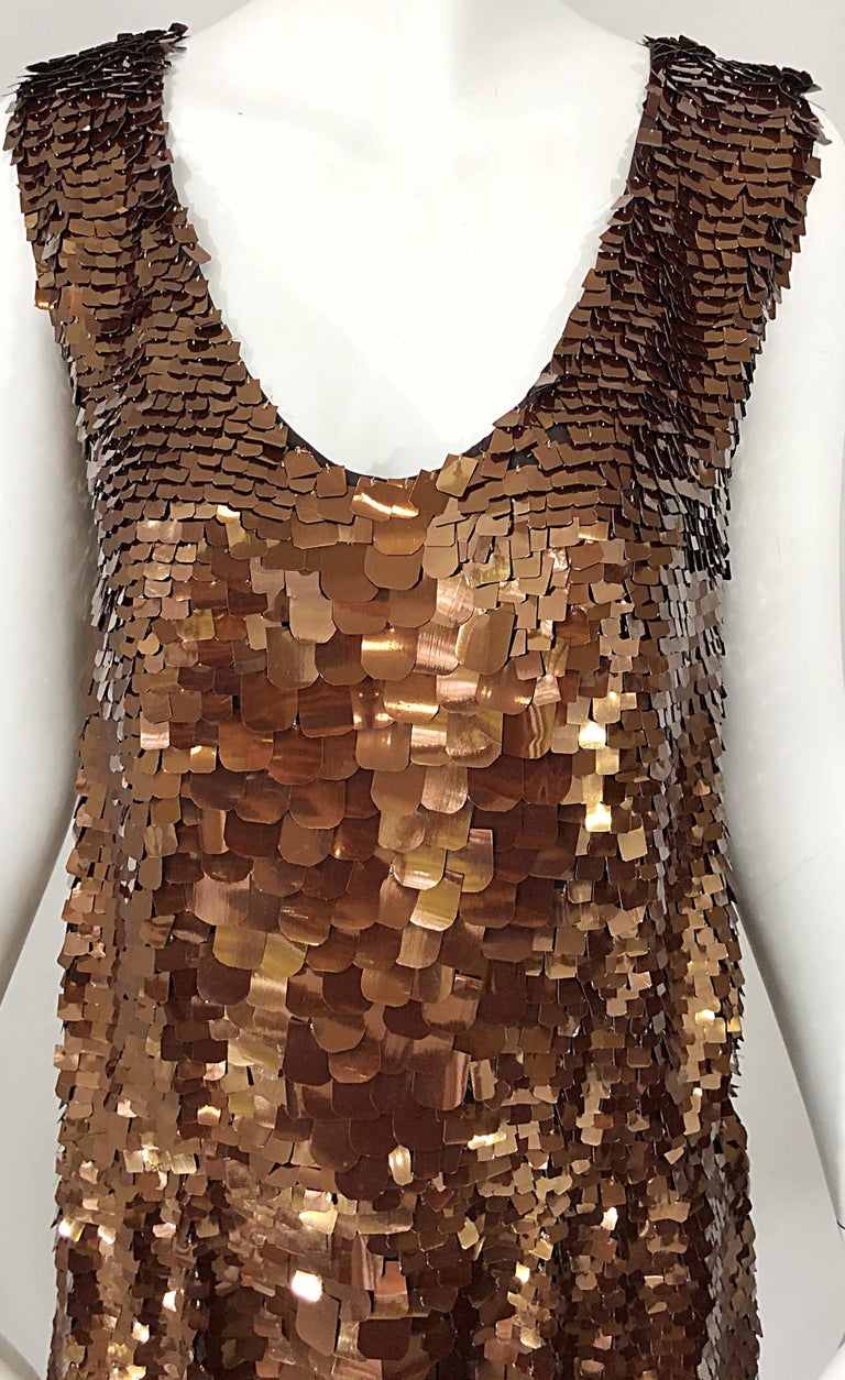 1990s does 1920s Isaac Mizrahi Chocolate Brown Paillette Sequin Flapper Dress In Excellent Condition For Sale In Chicago, IL