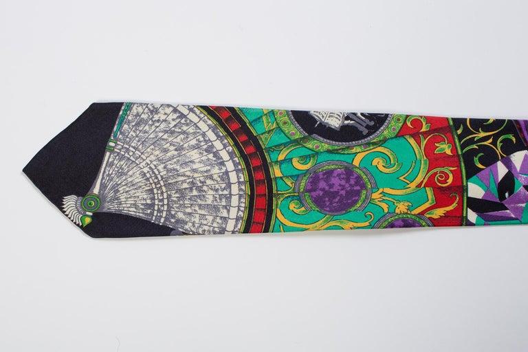 1990s Gianni Versace Art Deco Fan Print Tie For Sale 1