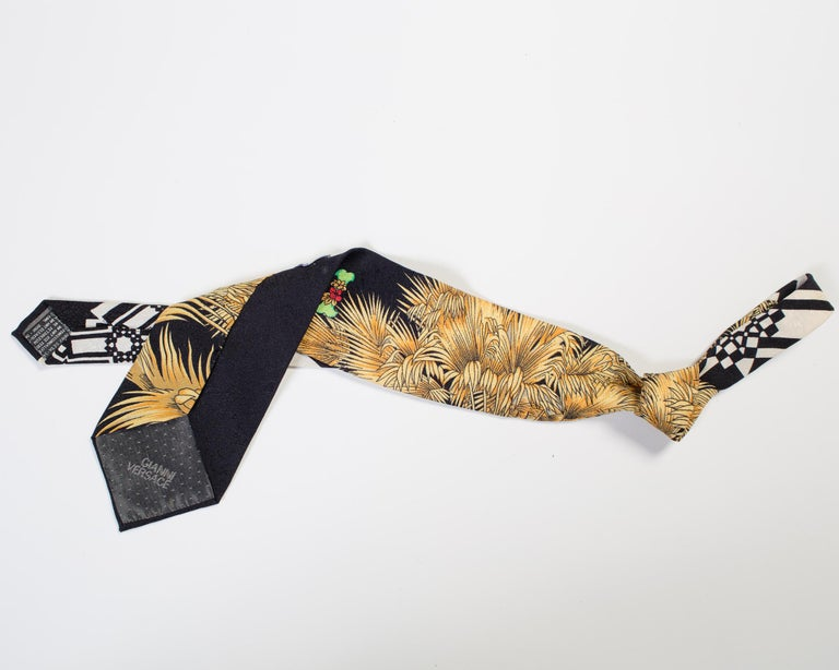 1990s Gianni Versace Black Miami Tie With Gold Palm Trees In Good Condition For Sale In New York, NY