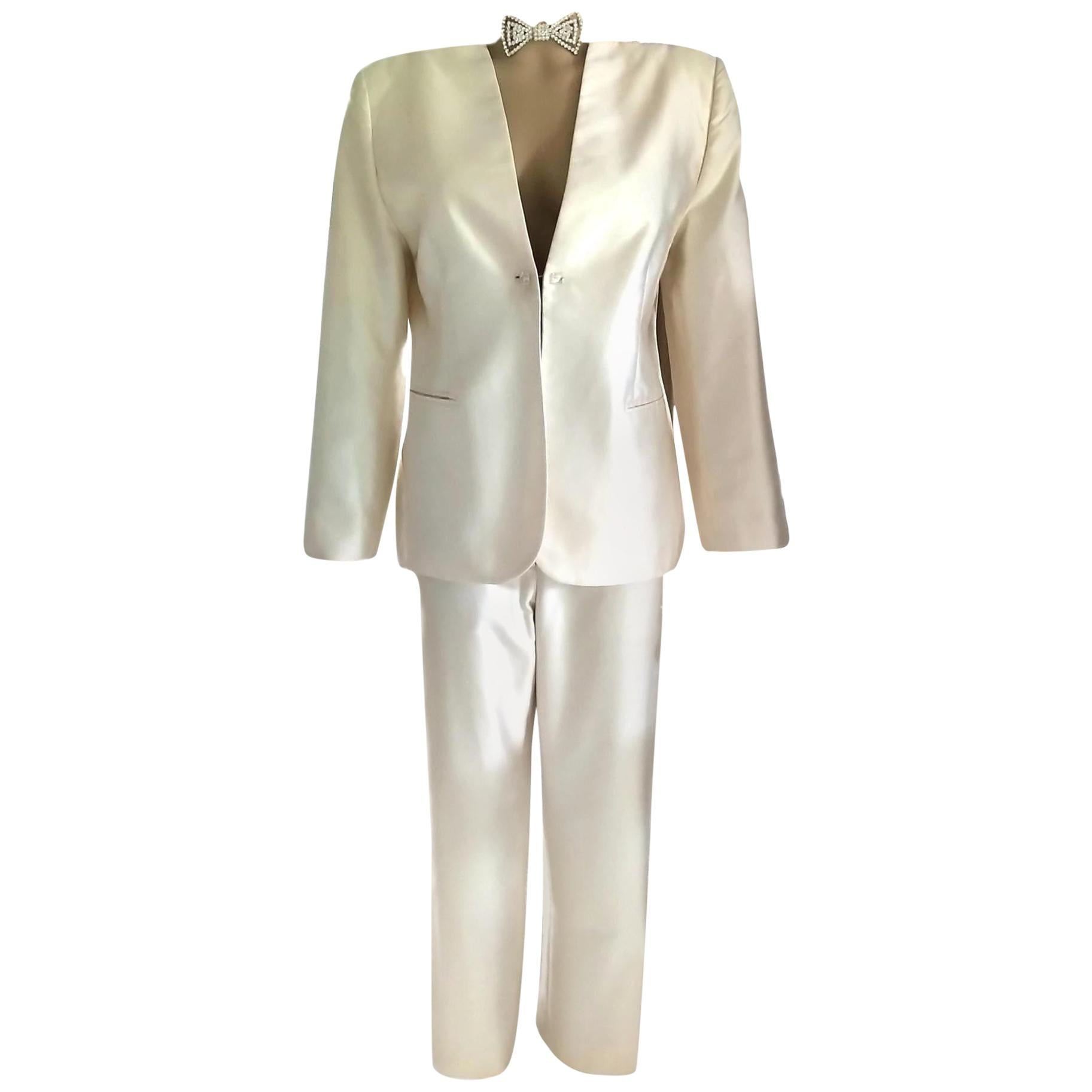 1990's Gianni Versace Couture Cream Silk Shimmer Crystal Jacket Pant Suit 42/ 6