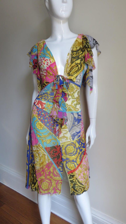 Gianni Versace Silk Print Plunge Dress For Sale 3